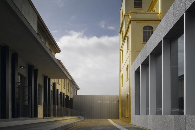Fondazione Prada a Milano | La meravigliosa contraddizione