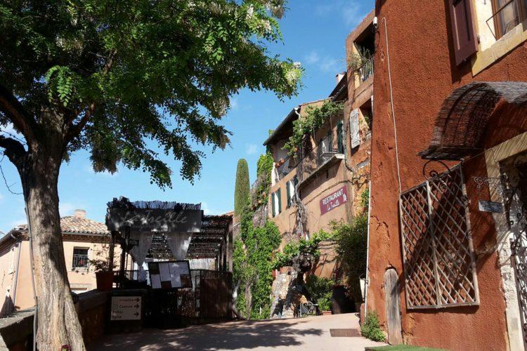 A spasso per Roussillon, la tavolozza dei pittori